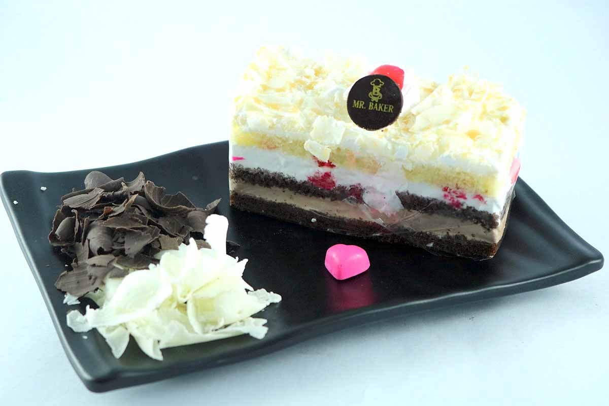 CHOCOLATE MIX FOREST PASTRY