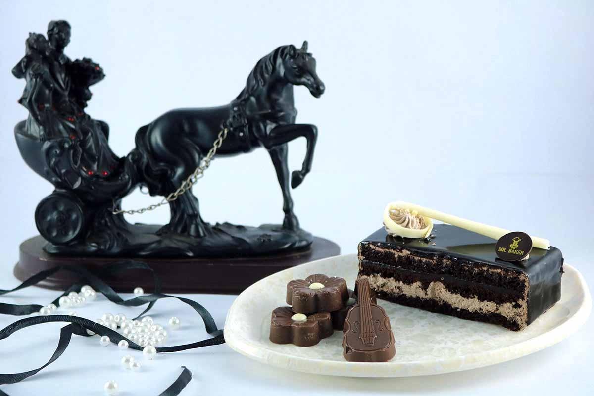 CHOCOLATE DACKER PASTRY