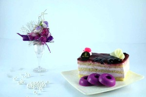 BLUEBERRY MOUSSE PASTRY